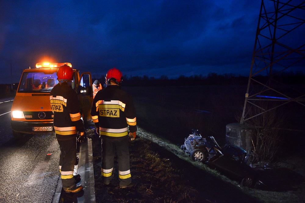 Groźny wypadek Rovera na obwodnicy Śremu - 13.12.15 r.