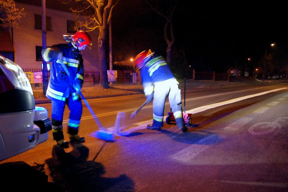 Plama oleju na ulicy Zamenhofa