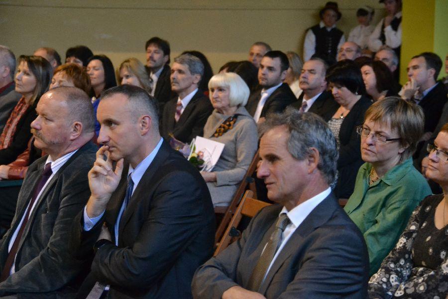 Powiatowe obchody Dnia Edukacji Narodowej w Grzybnie
