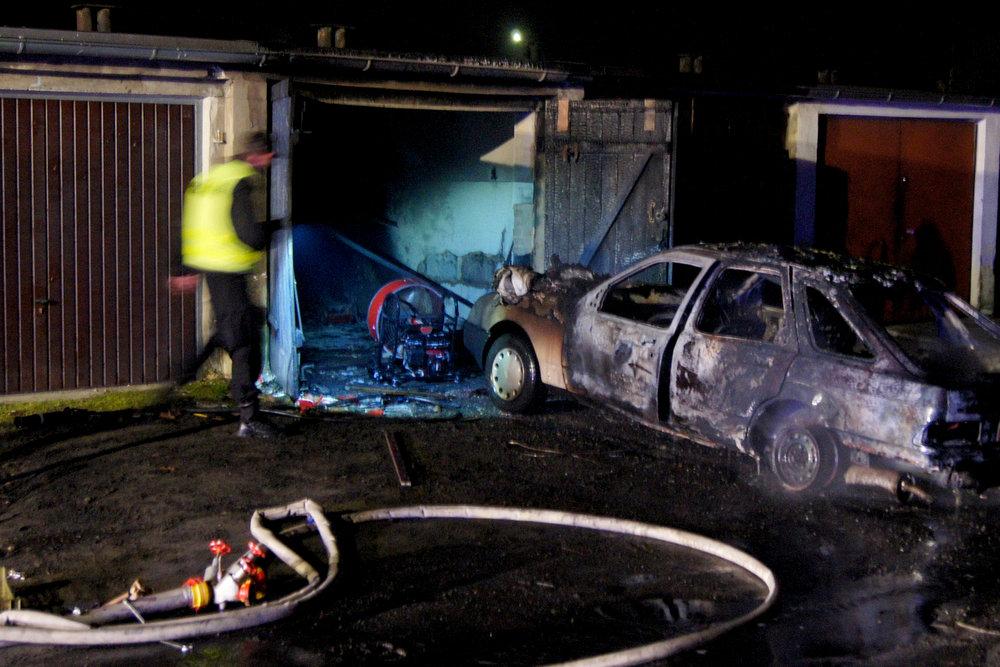 Pożar garażu i samochodu - 29.12