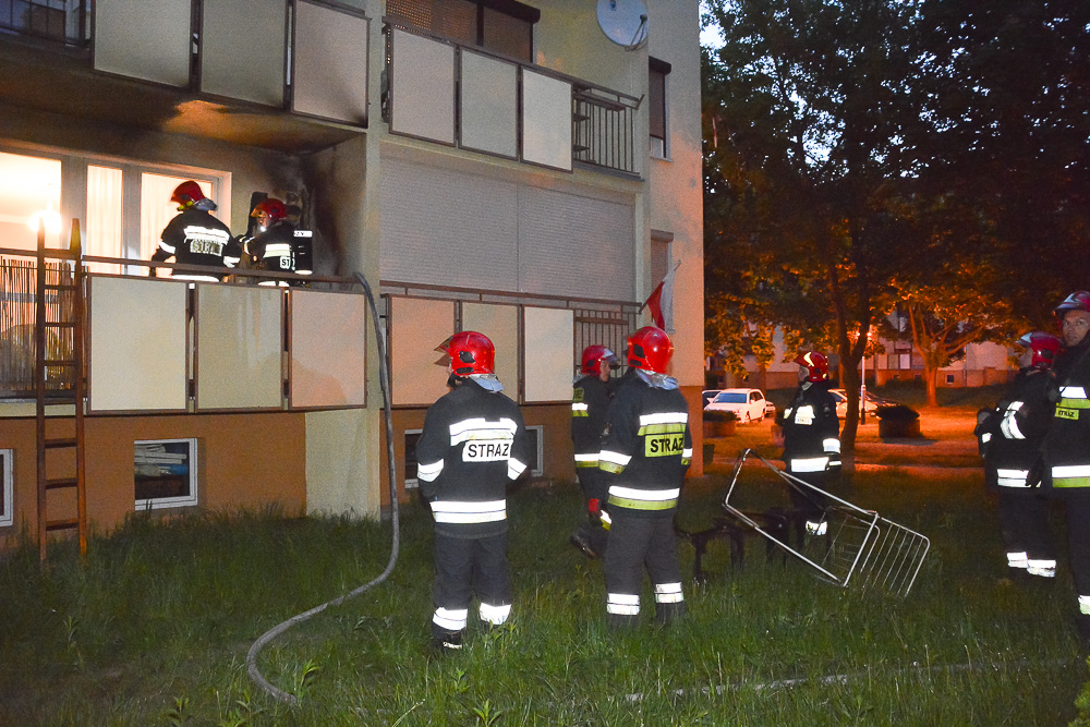 Pożar samochodu i pożar na balkonie - 06.05.18 r.