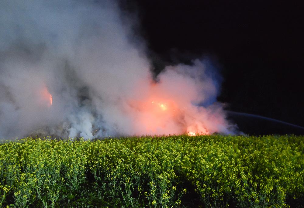 Pożar stogu - Przylepki - 09.05.18 r. / Michał Ratajczyk