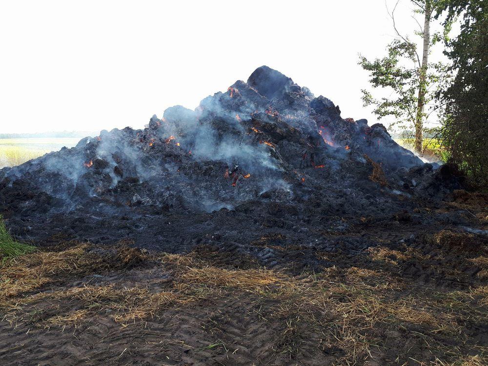 Pożar stogu - Przylepki - 09.05.18 r. / OSP KSRG Pysząca