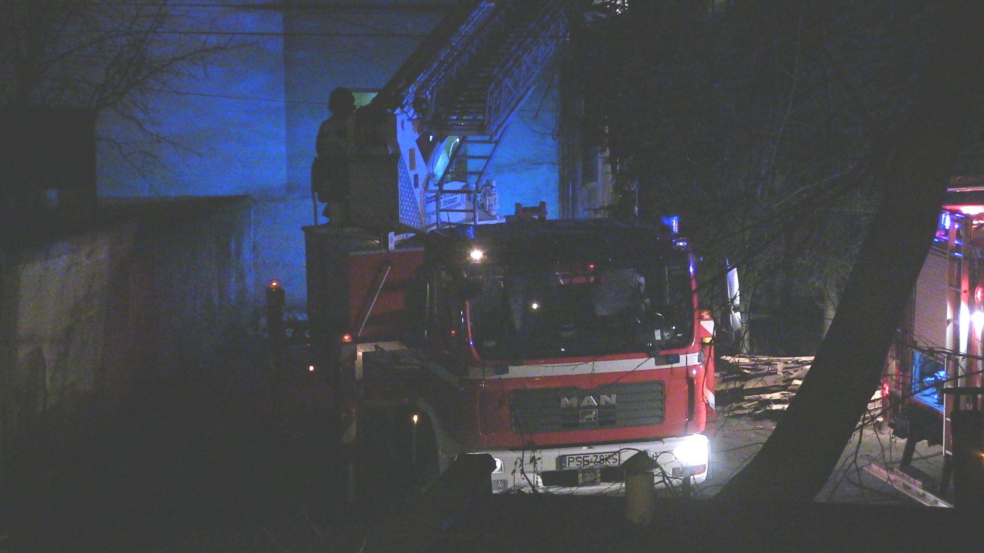 Pożar stropu budynku przy ulicy Łazienkowej / Patryk Kubski