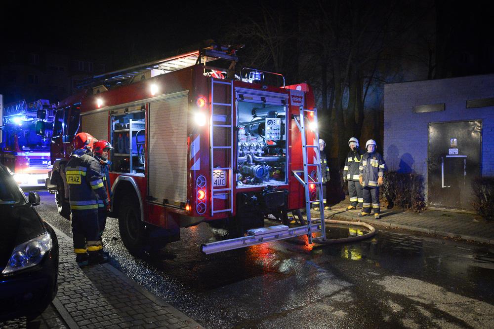 Pożar w piwnicy w bloku przy ul. Chłapowskiego - 27.12.16 r.