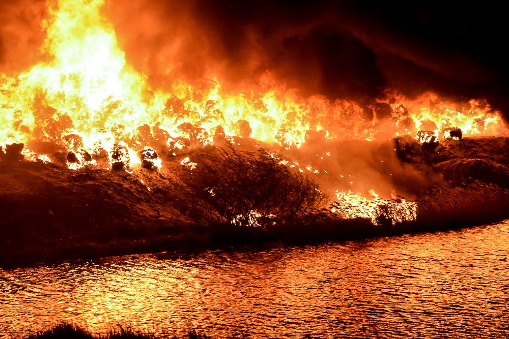 Pożar wysypiska śmieci w Pyszącej