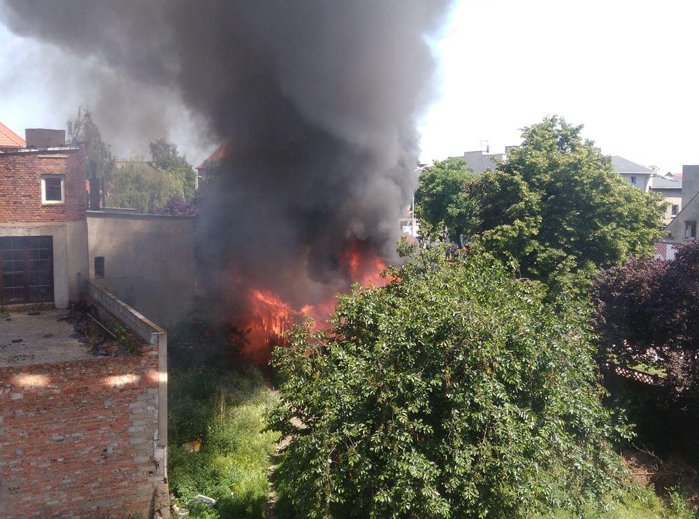 Pożar zabudowań przy ul. Młyńskiej - 27.05.18 r. / internauta Mateusz