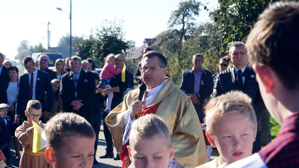 Procesja z relikwiami św. Jana Pawła II - Wieszczyczyn - 14.10.2018
