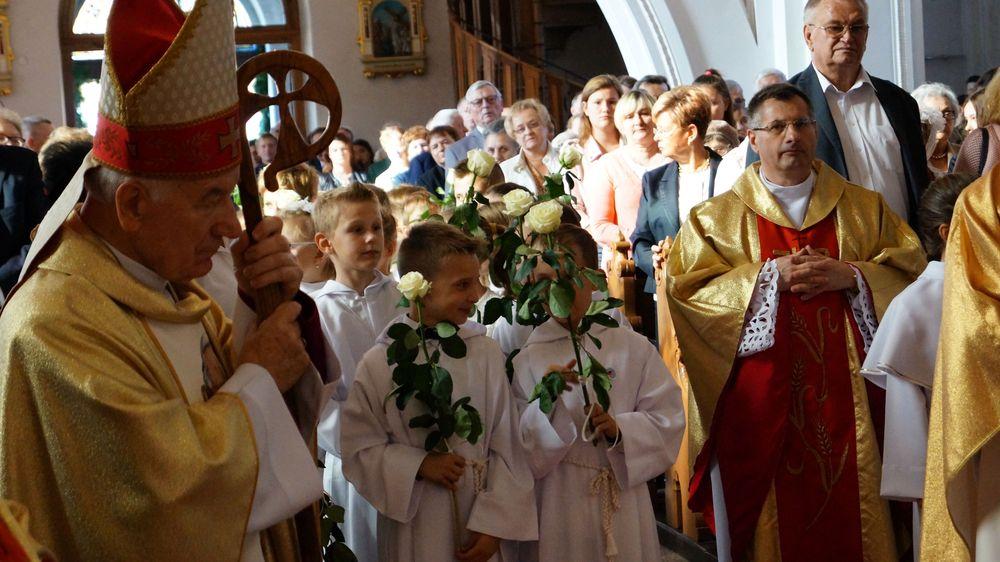 Procesja z relikwiami św. Jana Pawła II - Wieszczyczyn - 14.10.2018 / Bartosz Górka