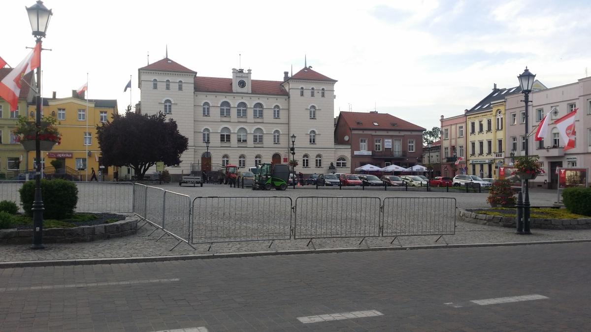 Przygotowania do wizyty prezydenta / Patryk Kubski