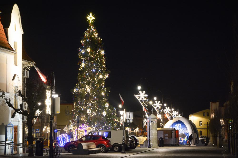 Świąteczne dekoracje na rynku w Śremie i w Kórniku