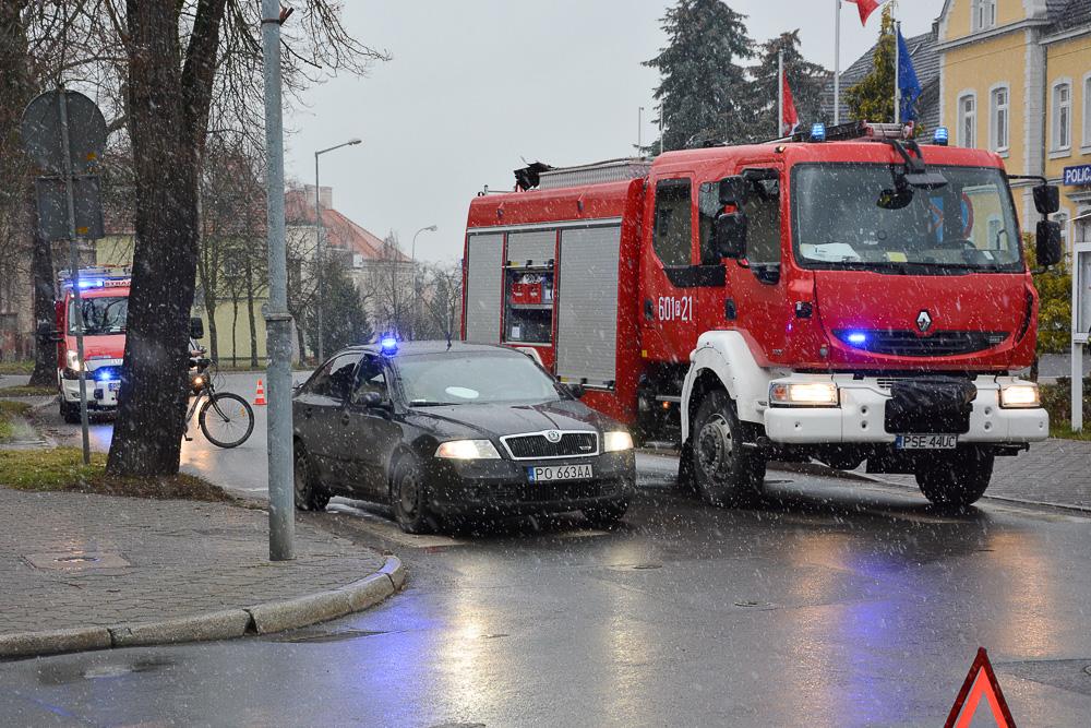 Wypadek na ul. Mickiewicza i kolizja w Zbrudzewie - 09.12.17 r.